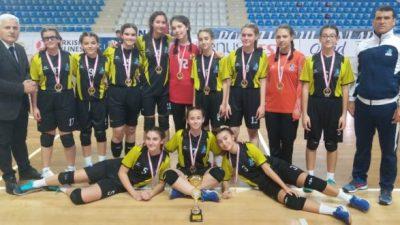 Hentbolda Şampiyon Çanakkale Koleji